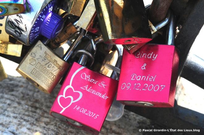 Cadenas d'amour personalisé rose.jpg